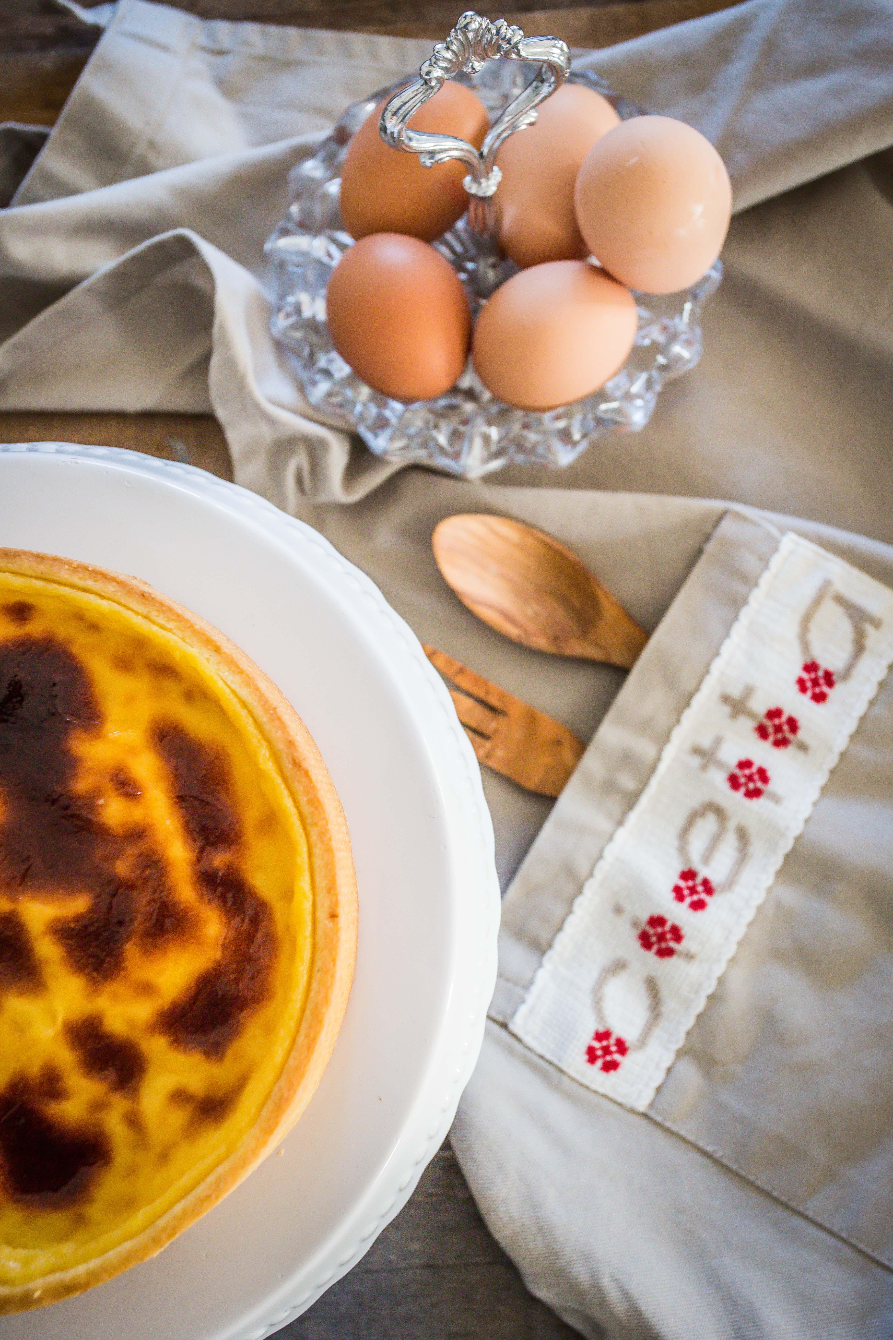 Torta alla crema bruciata e ananas