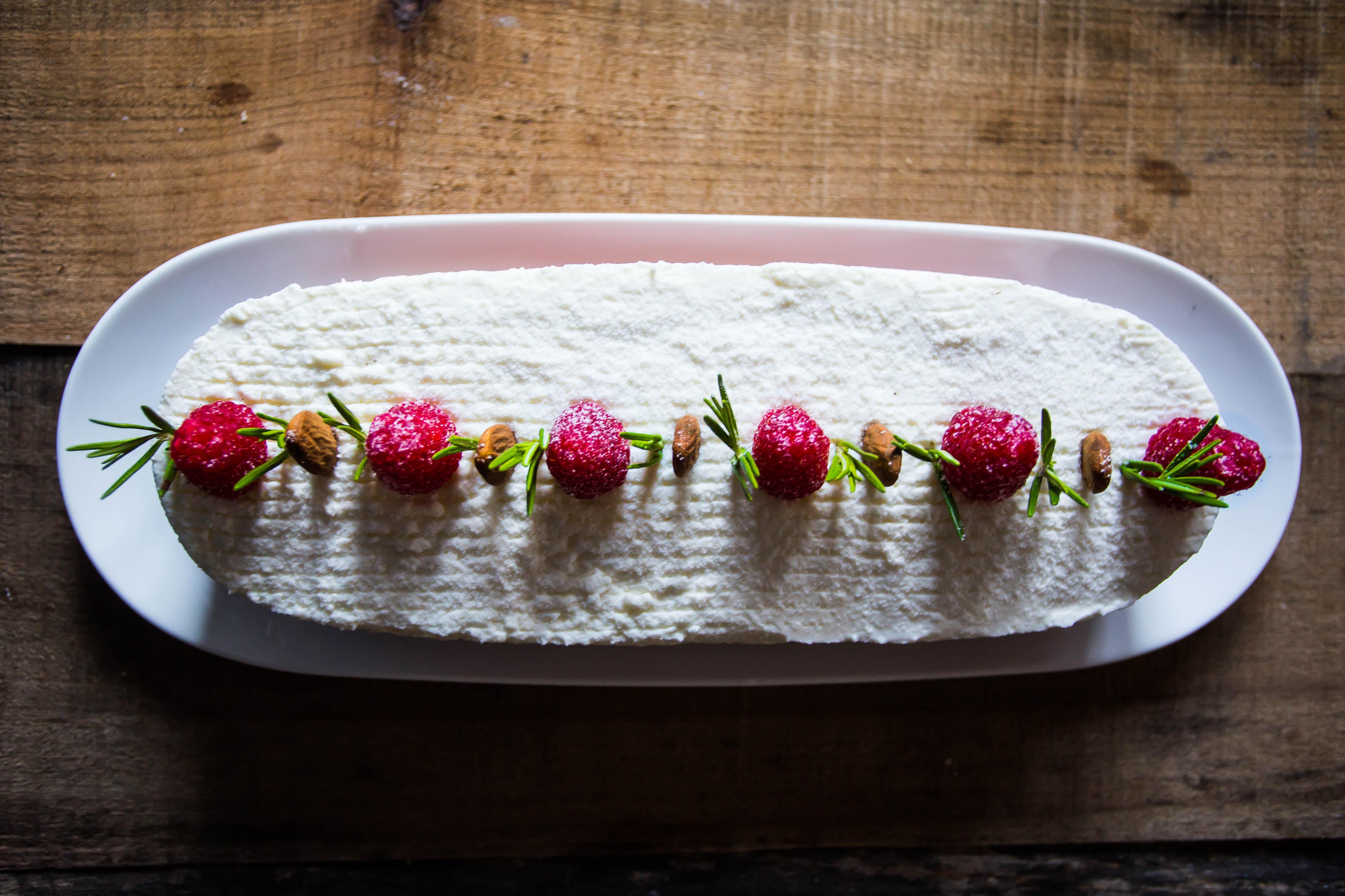 Rosemary, rhubarb's french elegance