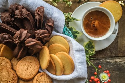 Dream cookies: orange and cacao frollini, speculoos, Milano shortcrust and sablés