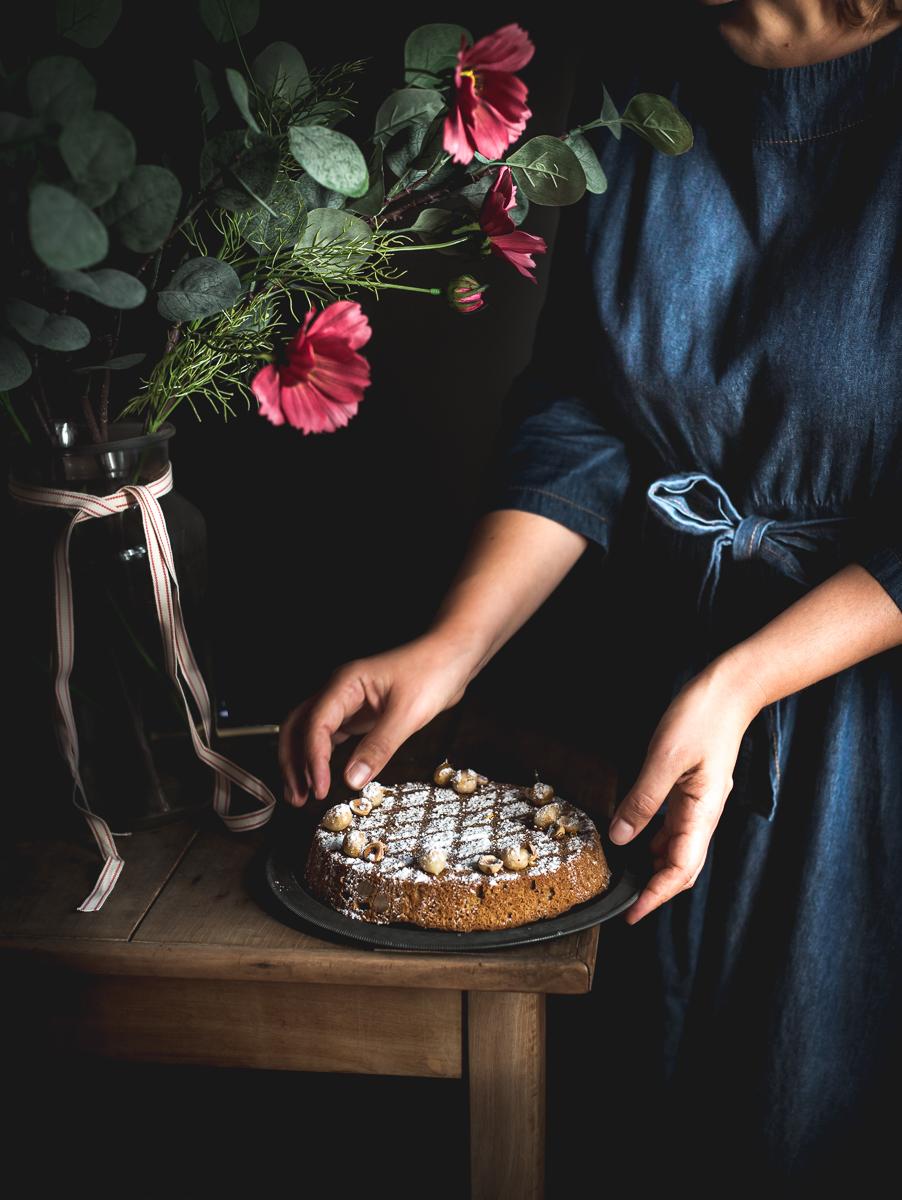 Torta alle nocciole e zabaione caldo al Moscato Duchessa Lia