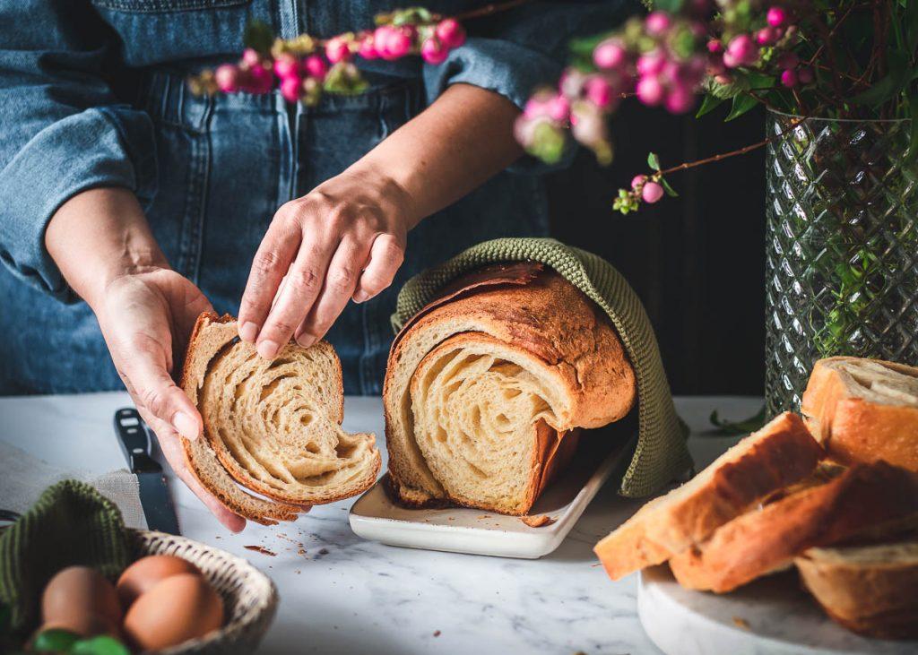 Brioche sfogliata al miele e burro salato - L'ULTIMA FETTA - food style - food photography